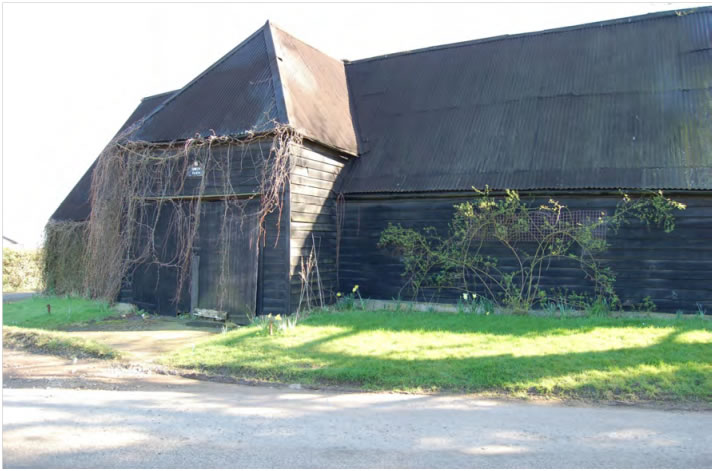birds farm barn
